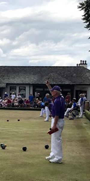 Para bowlers draw the crowds